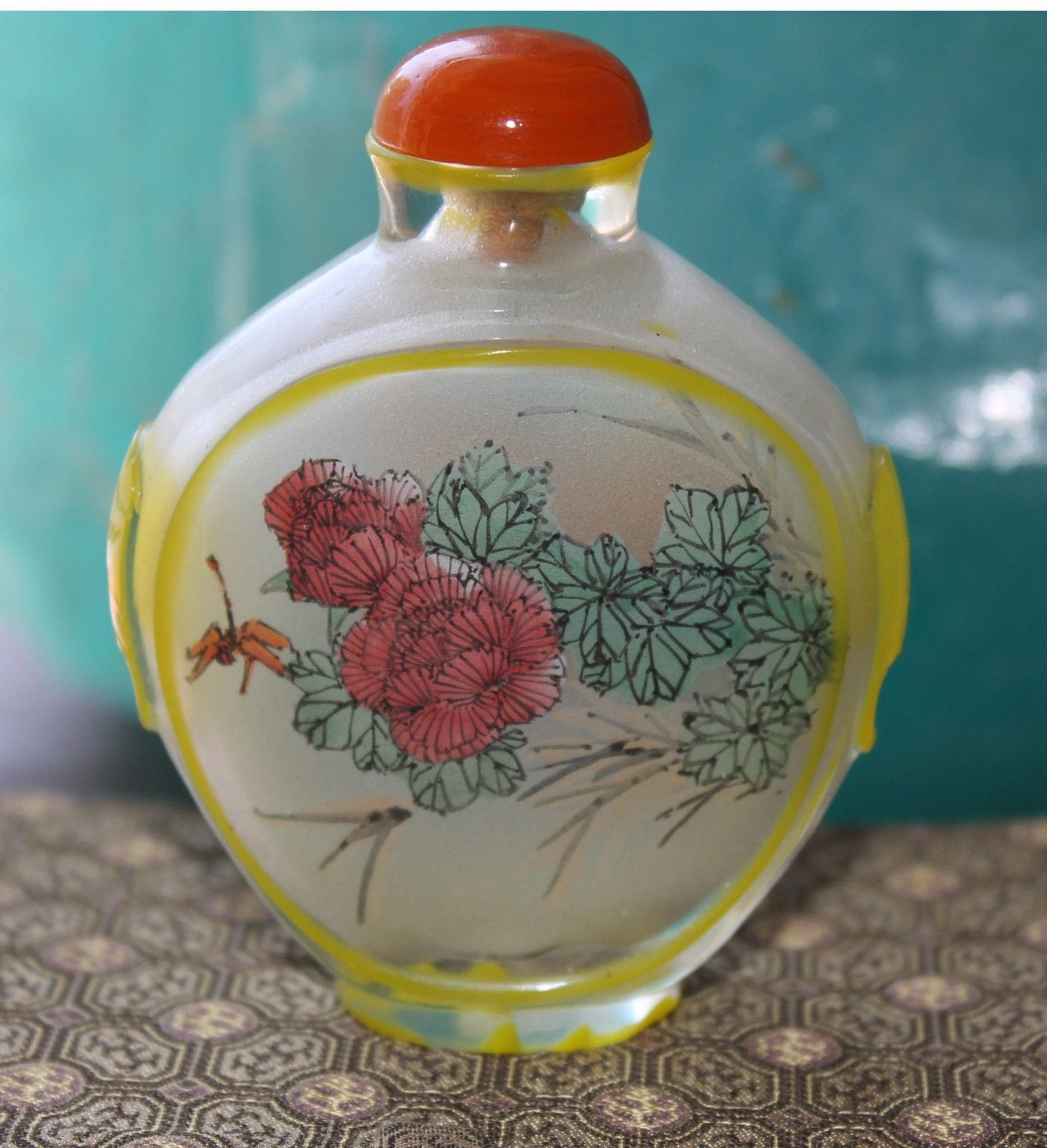 Chinese Reverse Painted Floral Scent Snuff Bottle