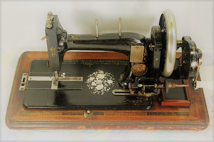 NAUMANN HAND CRANK SEWING MACHINEGERMAN C40 EBay Custom Hand Crank Sewing Machines For Sale