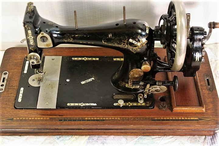 GRITZNERHAND CRANK SEWING MACHINE40sGERMAN EBay Classy Gritzner Sewing Machine Price