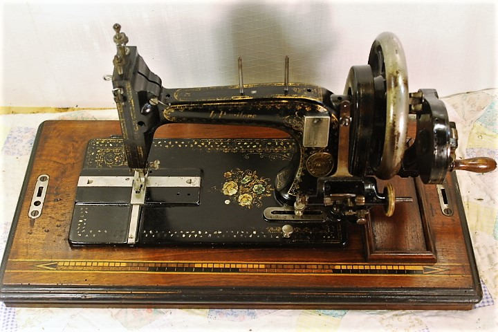 GRITZNER HAND CRANK SEWING MACHINE40sSEWS VG EBay Mesmerizing Gritzner Sewing Machine Price