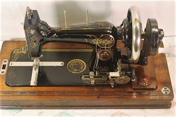 VESTAHAND CRANK SEWING MACHINEGERMAN4040 SIZE409400s EBay Custom German Sewing Machine