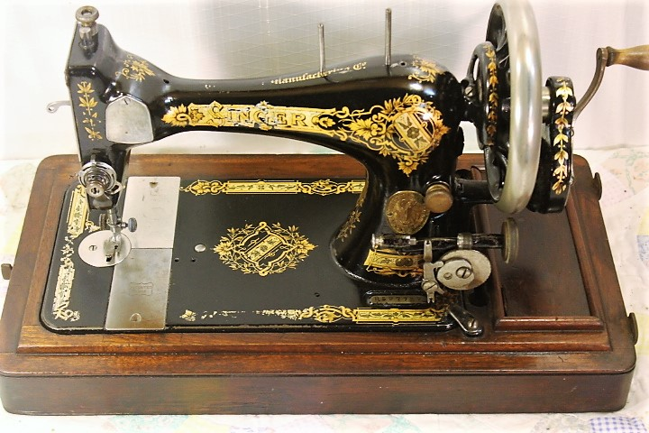 40SINGER HAND CRANK SEWING MACHINEMODEL 40COFFIN EBay Fascinating Singer Hand Crank Sewing Machine