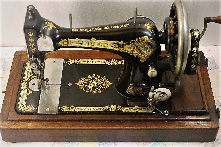 40SINGER HAND CRANK SEWING MACHINEMODEL 40COFFIN EBay Delectable Singer Hand Crank Sewing Machine