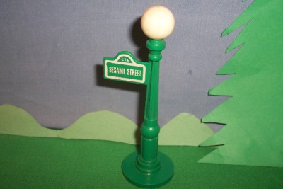 sesame street lamp post submited images pic2fly. Black Bedroom Furniture Sets. Home Design Ideas