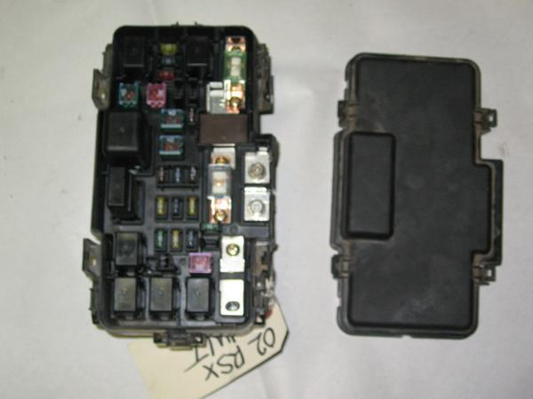 215920_IMG_0058 02 06 acura rsx oem under hood fuse box with fuses and relays  at bakdesigns.co