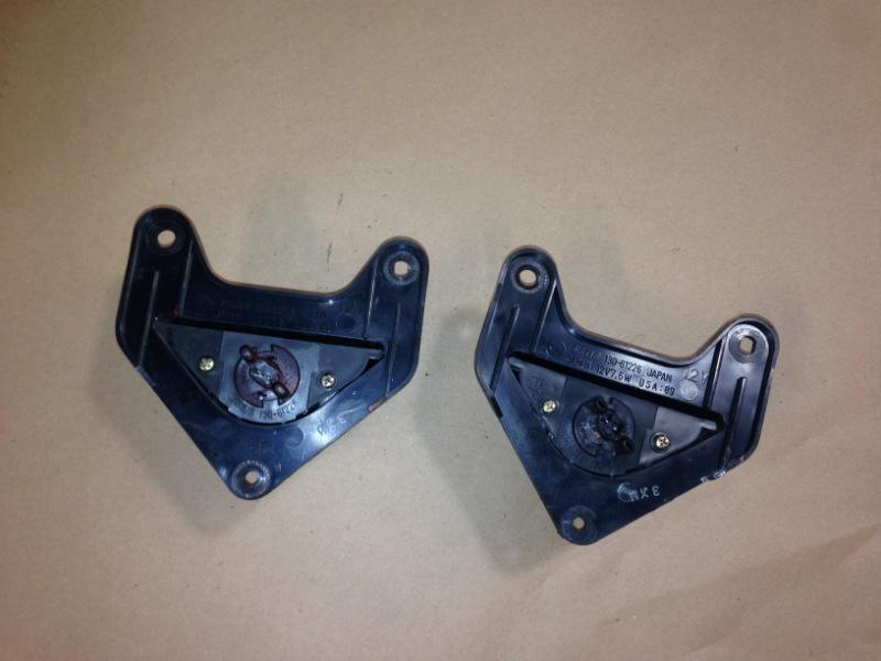 90-97 Mazda Miata Mx-5 OEM rear bumper licence plate lights garnish bulbs x2