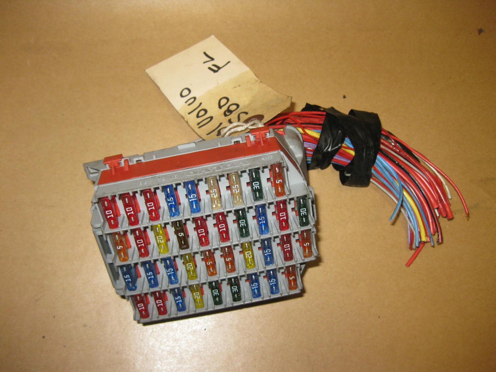 99-03 volvo s80 OEM front L indash fuse box w/ fuses 91 62 439
