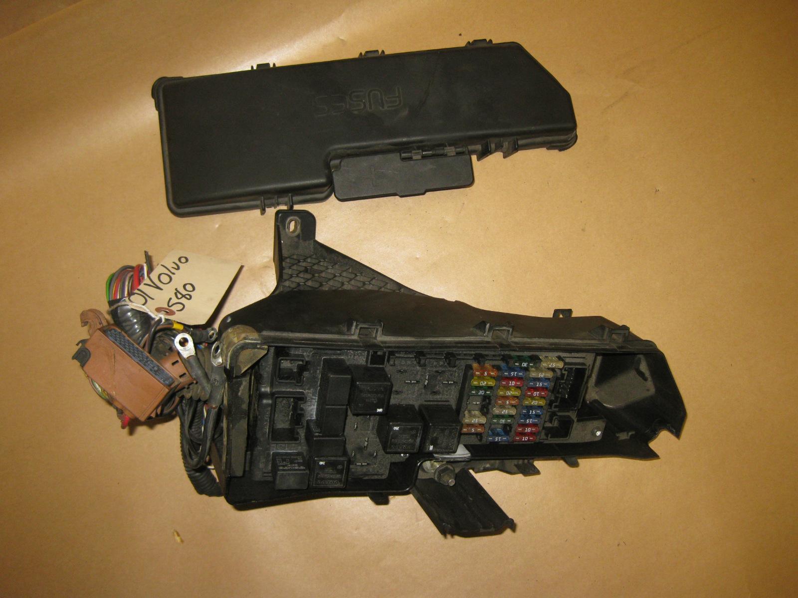 99 00 01 02 03 volvo s80 oem under hood fuse box w/ fuses part