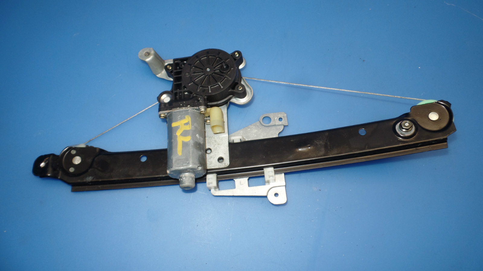Pacesetter 70-1020 Headers For 79-82 Dodge D50 Kit