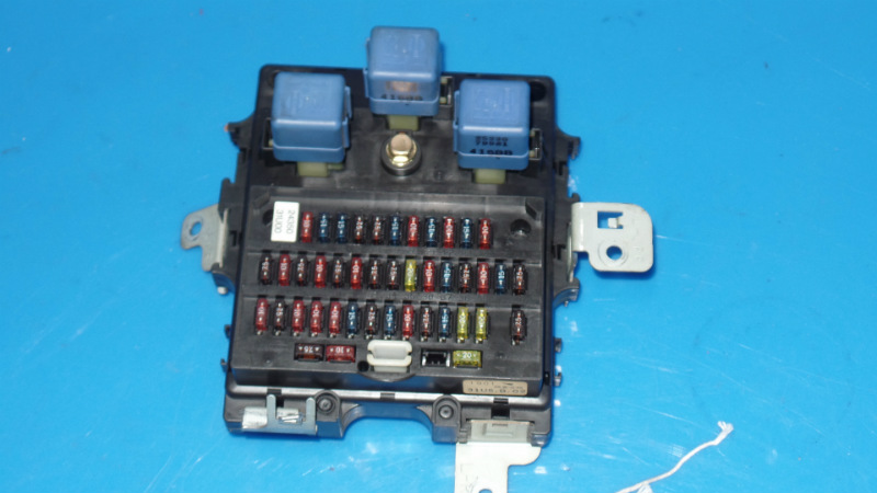 95 99 nissan maxima oem in dash fuse box with fuses and relays a32 07 Nissan Maxima Traction Controll Whith