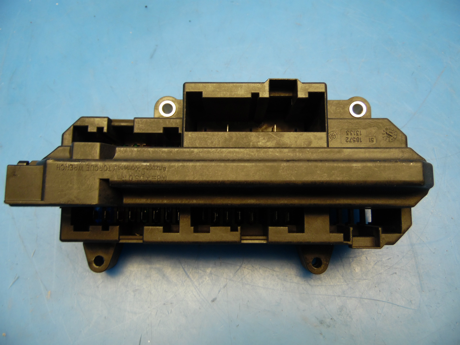 02 05 Bmw 7 Series E65 E66 Oem Fuse Box With Fuses Part 18572 13133