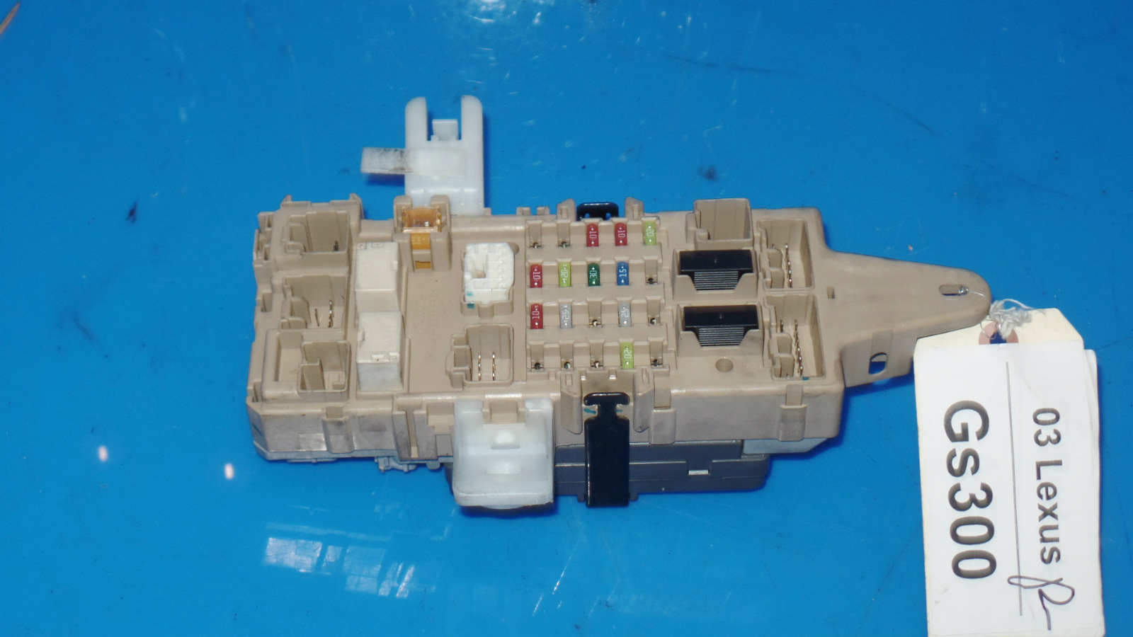 98-05 lexus GS300 OEM in-dash fuse box w/ fuses etc MPX body No. 2  89221-30100