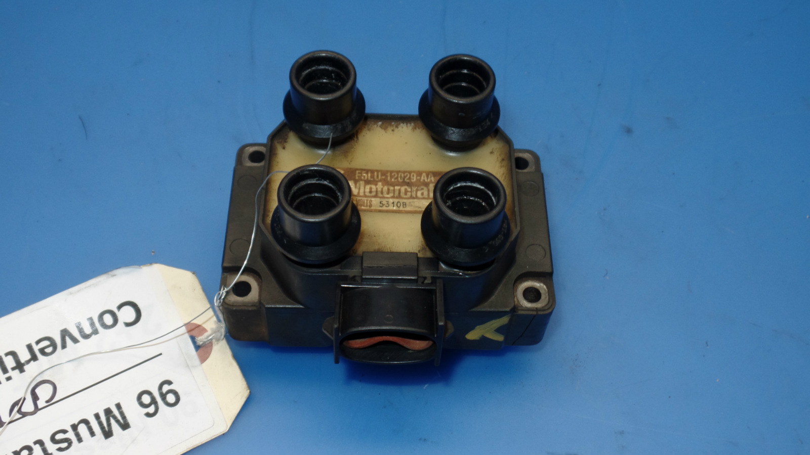 This is a ignition coil pack removed from a 1996 Ford Mustang GT  Convertible with manual transmission. SHOULD fit 94-98 Ford Mustang BUT  PLEASE double check ...