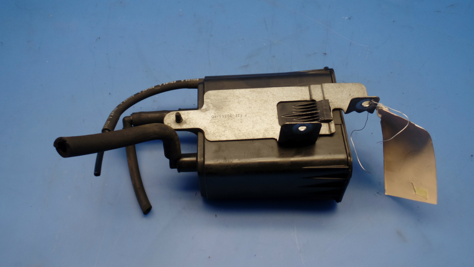 94 98 Ford Mustang Oem Fuel Gas Evaporator Vapor Canister P N F4ze Filter Removal This Is A Removed From 1996 Gt Convertible With Manual Transmission Should Fit But Please Double