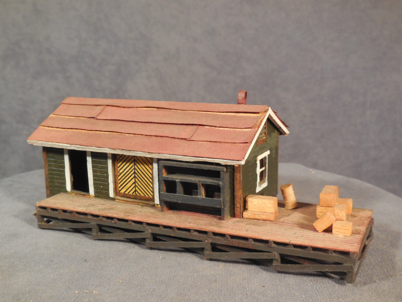 Tiny Craftsman Comes With Espresso Station: HO Scale Built Model Is In Good Condition, And Includes