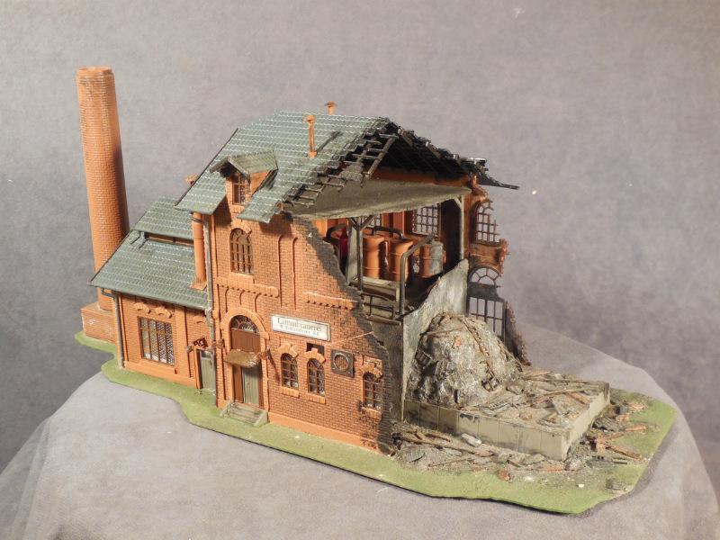 1 87 Ho Scale Built Model Building Vollmer 25764 Burned Out Factory W Interior Ebay