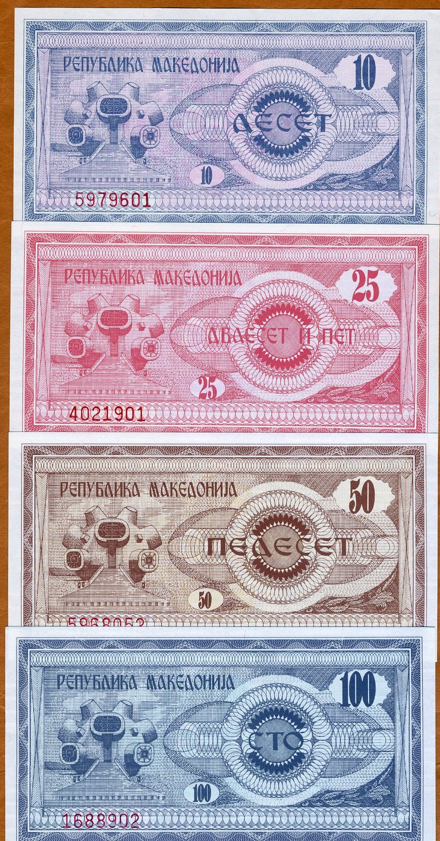 SET Macedonia 10;25;50;100;500;1000;5000;10000 1992 P-1-2-3-4-5-6-7-8 UNC