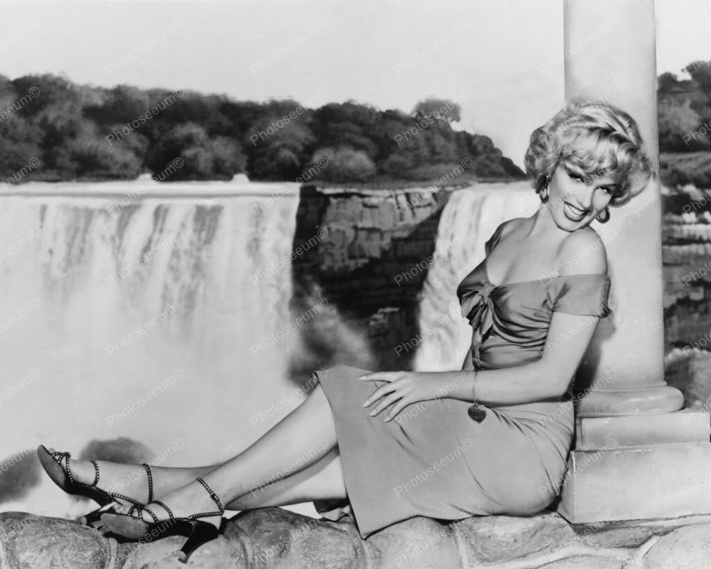 Marilyn Monroe Beautiful @ Niagara Falls 8x10 Old Photo. Price: $14.99