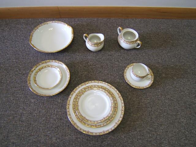 vintage vignaud france limoges porcelain dinnerware 67. Black Bedroom Furniture Sets. Home Design Ideas