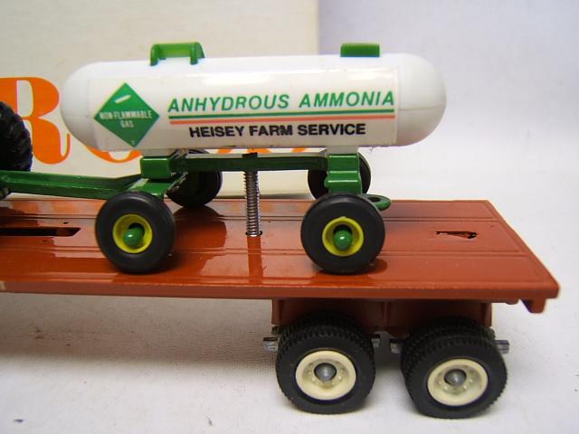 Farm Tractor Fuel Tanks : Winross heisey farm service flat bed w john deere tractor