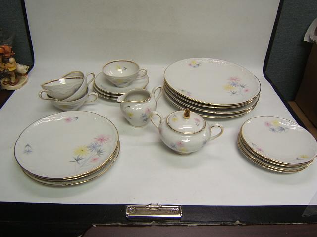 vintage eschenbach bavaria germany china 20 pieces plates cups cream sugar vgc ebay. Black Bedroom Furniture Sets. Home Design Ideas