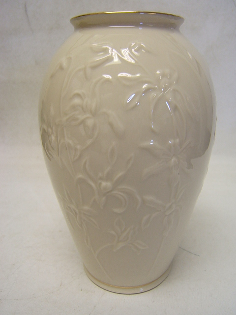 Lenox Vase Cream W Gold Trim Embossed Flowers Usa Mint In Original