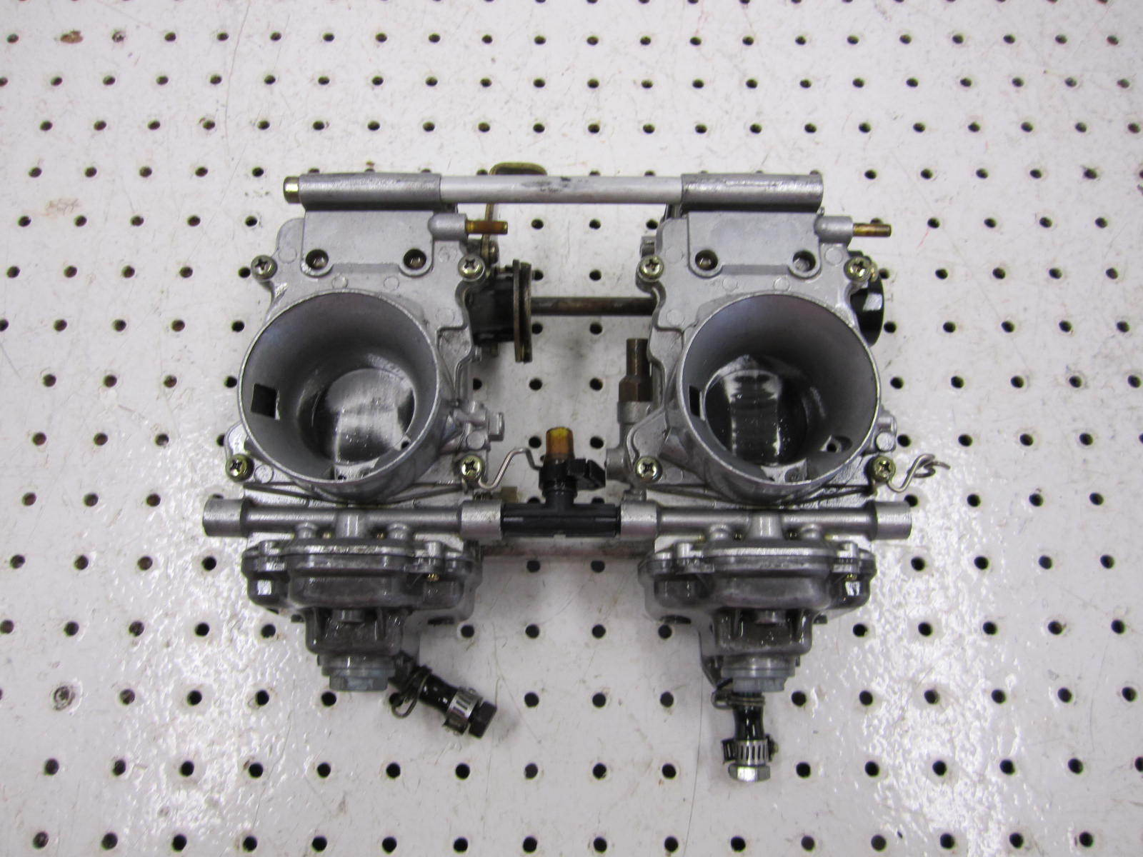 2002 ARCTIC CAT ZR 500 CARBS CARBURETOR 1670-138