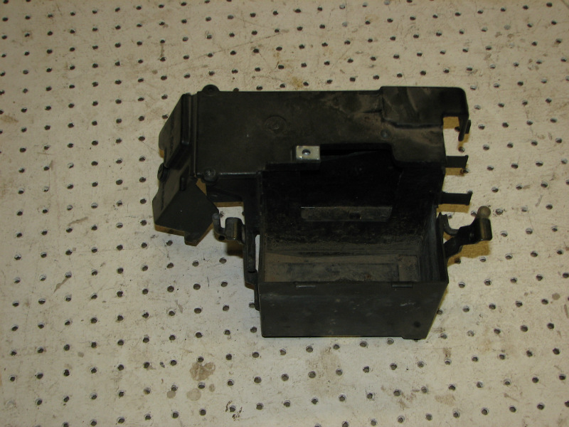 2003 HONDA SHADOW 750 VT750DCB BATTERY BOX AND TOO