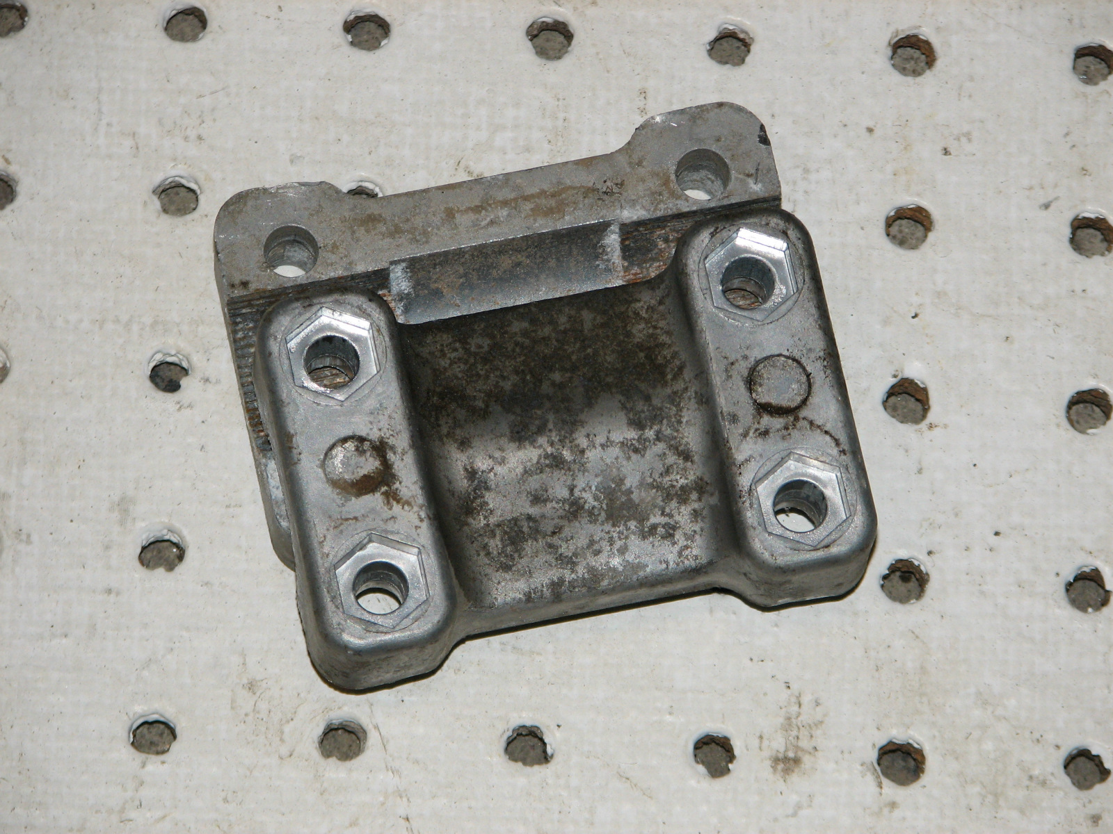 2003 POLARIS MAGNUM 330 4X4 HANDLEBAR CLAMP 56311