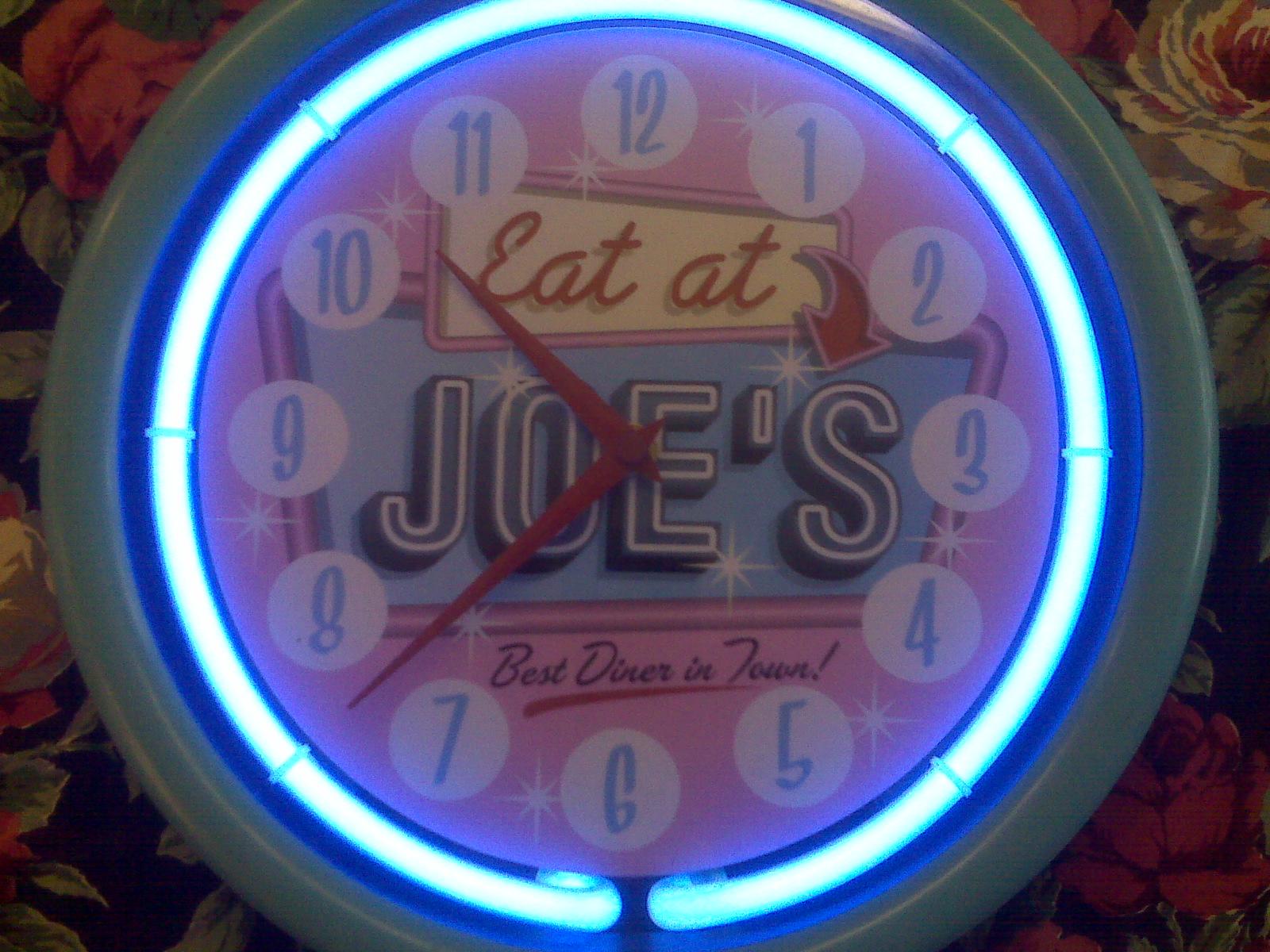 Everybodys Store Clock Neon Sign Eat At Joe S