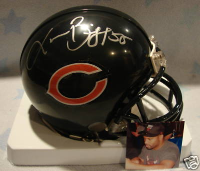 Chicago bears signing autographs at arrowhead