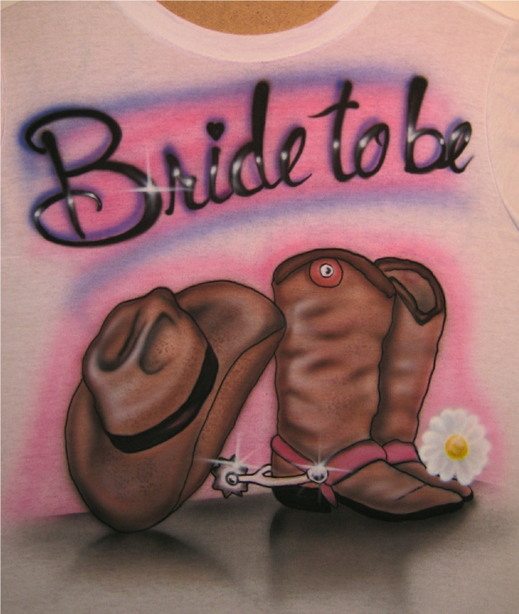 Airbrush In Motion Bride To Be Airbrushed T Shirt