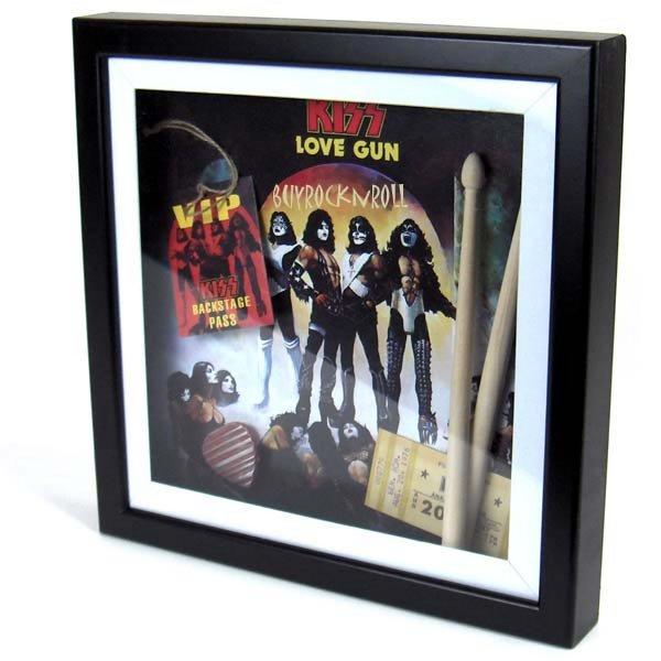 kiss 2007 love gun lp album art in 3d shadow box w replica ticket pass sticks ebay. Black Bedroom Furniture Sets. Home Design Ideas