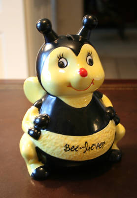 Robllin2001 Cute Ceramic Bumble Bee Piggy Bank Great