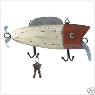 The fog shoppe new wooden fishing lure coat key hat for Fishing lure decor