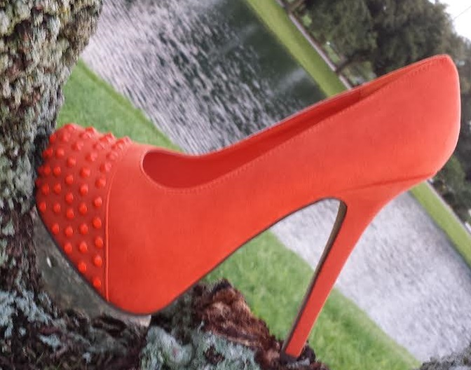 Breckelle Marisa-32 Spiked Platform Pump ORANGE
