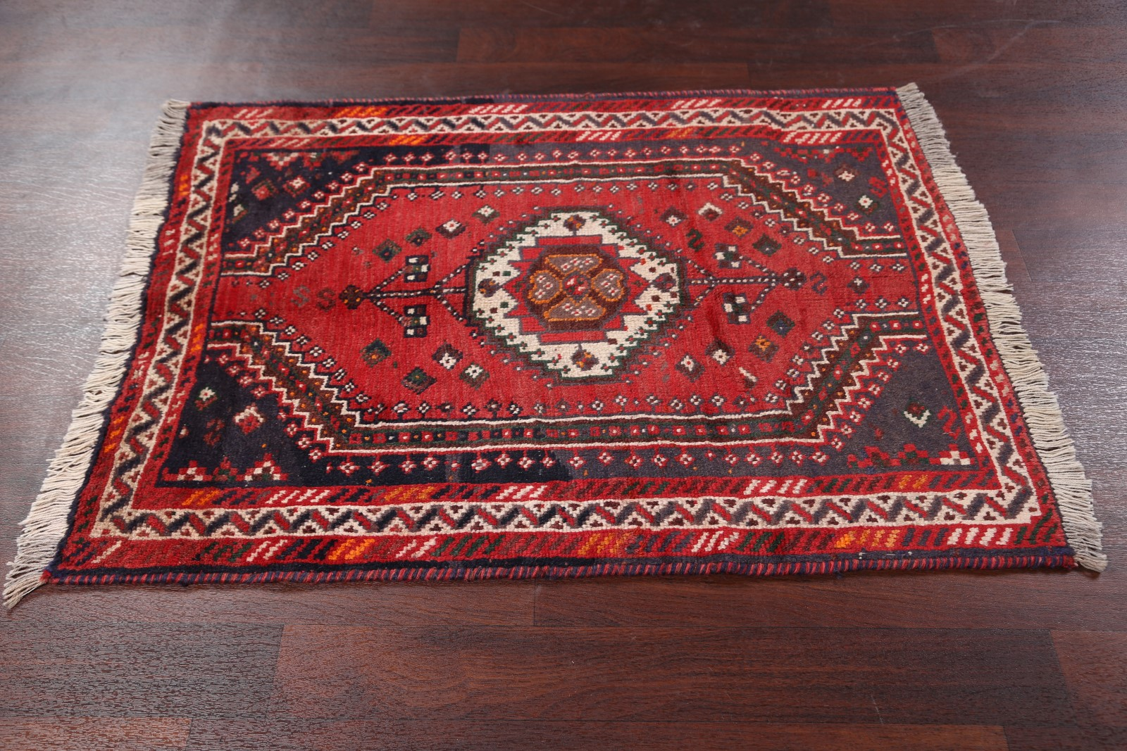 What Size Should Foyer Rug Be : Clearance geometric foyer size shiraz persian oriental