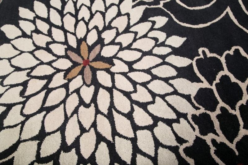 Hand Tufted Transitional Floral Black Ivory Oushak