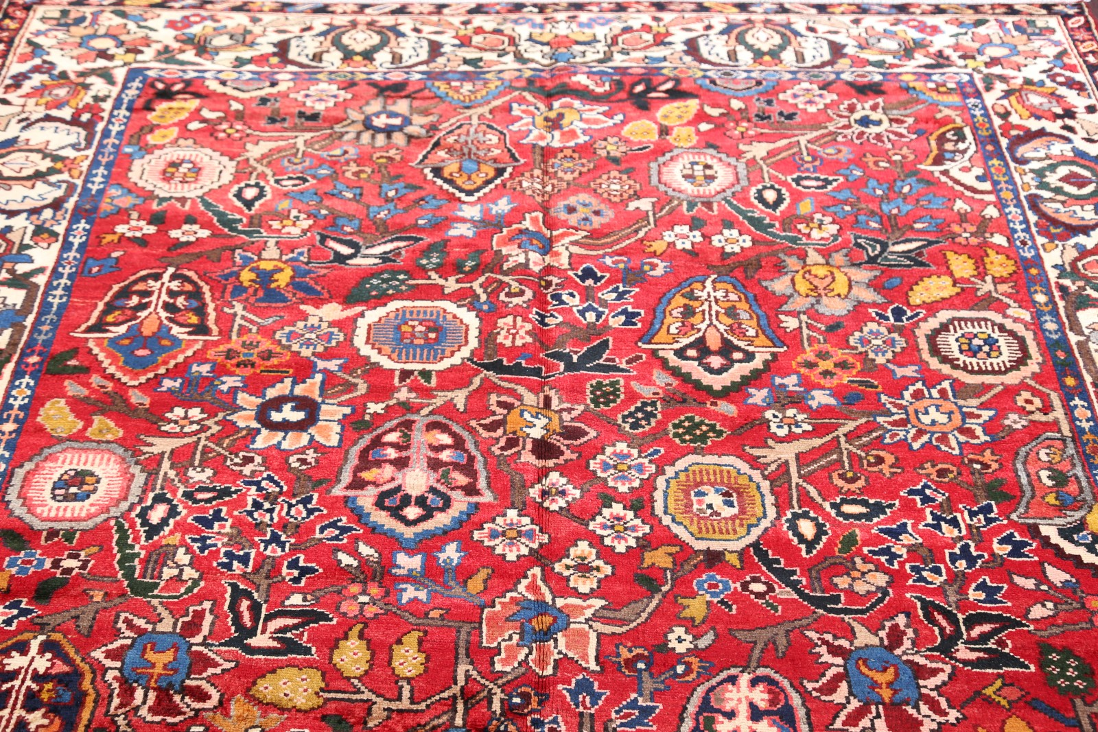 New All Over Pattern Floral 7x10 Bakhtiari Persian Area