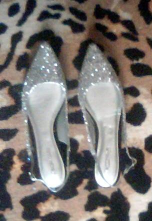 silver glitter pointy flats size 6