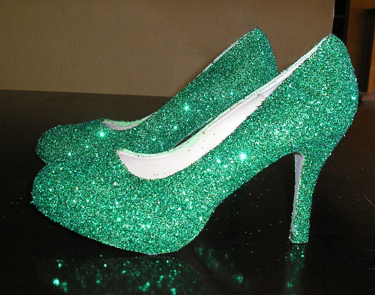 emerald green glitter platform pumps size 6.5
