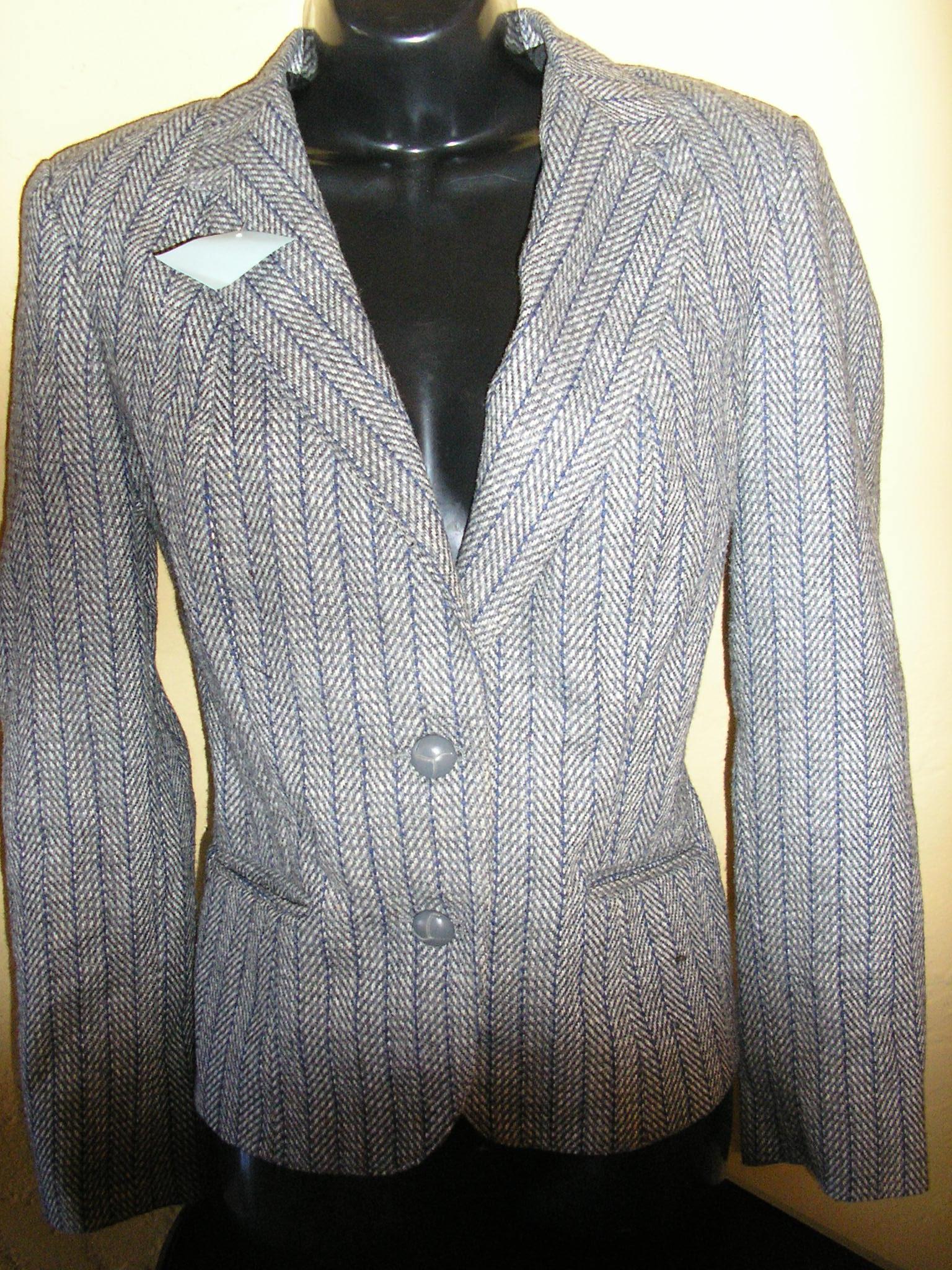 1970s grey wool herringbone navy pinstripe suit sz