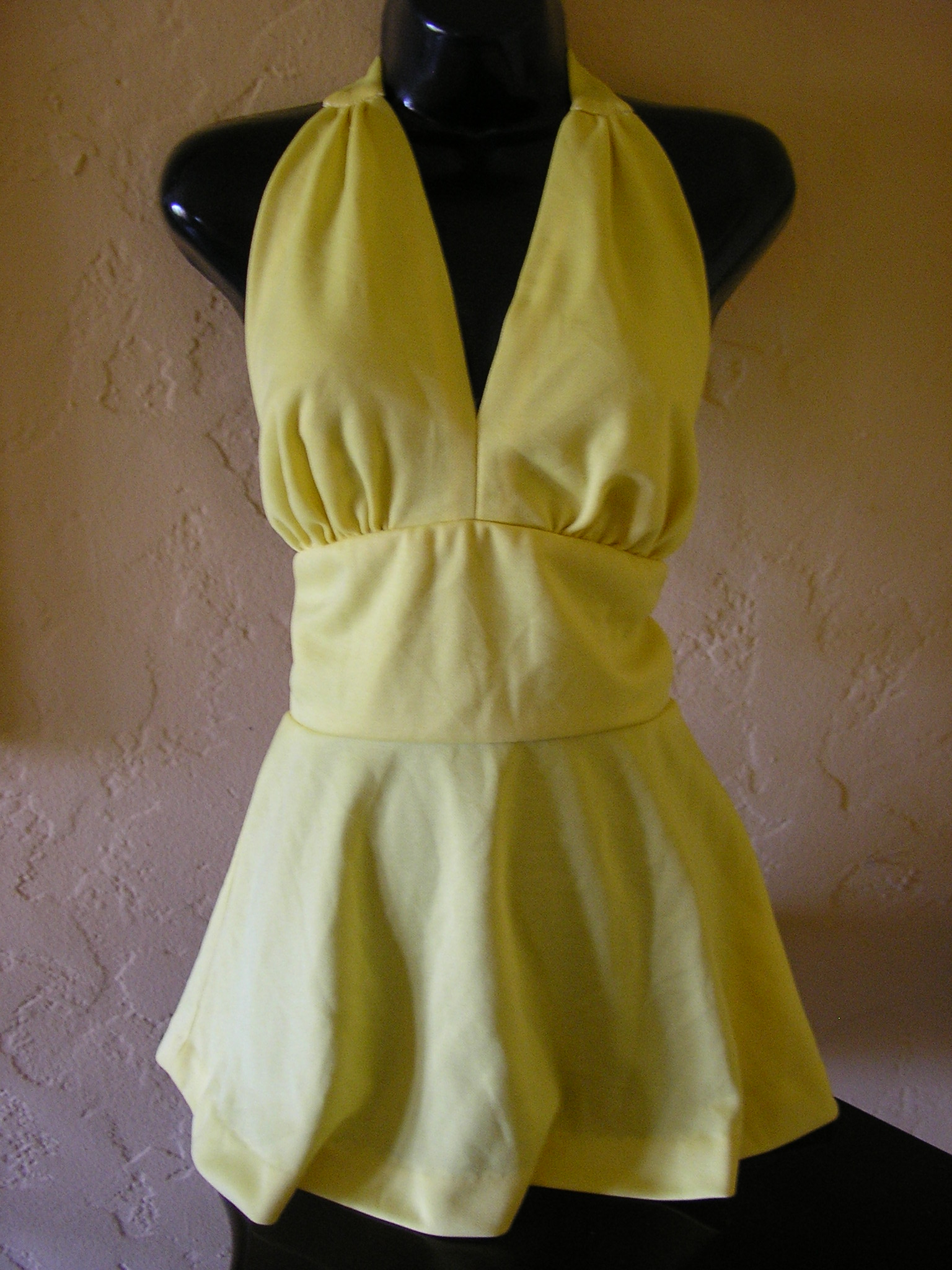 1970s beach/swim/tennis yellow halter minidress sz