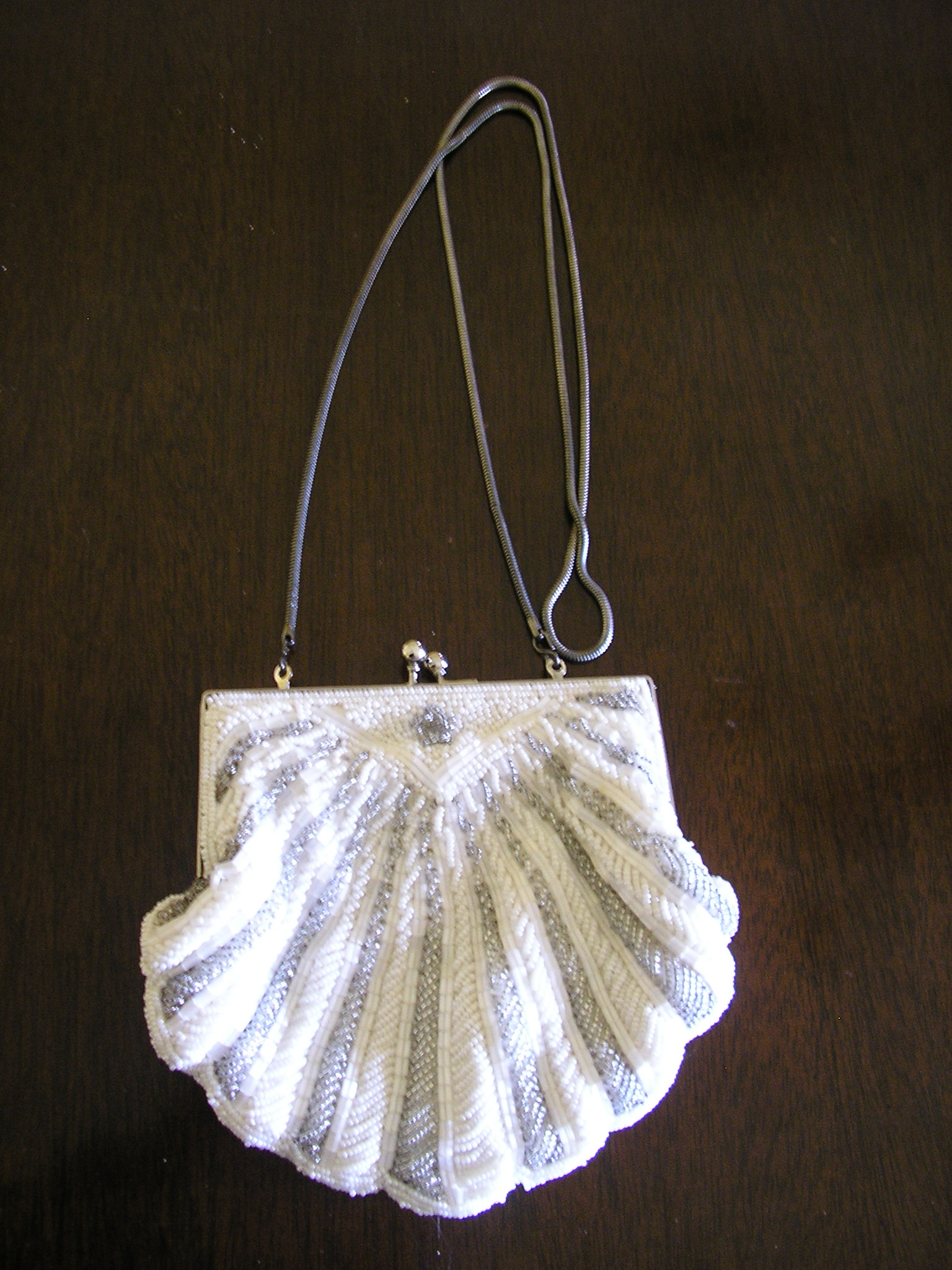 1960s beaded evening purse prom white silver clams