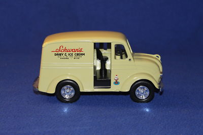 Oufan1 1950 Schwans Ice Cream Delivery Bank Truck