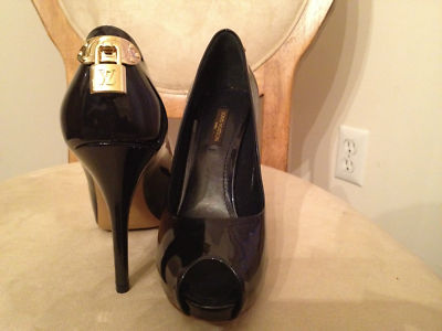 c09bb60eb809 AUTHENTIC OPEN TOE PUMP LOUIS VUITTON OH REALLY HEELS AND SHOE IN PATENT  LEATHER