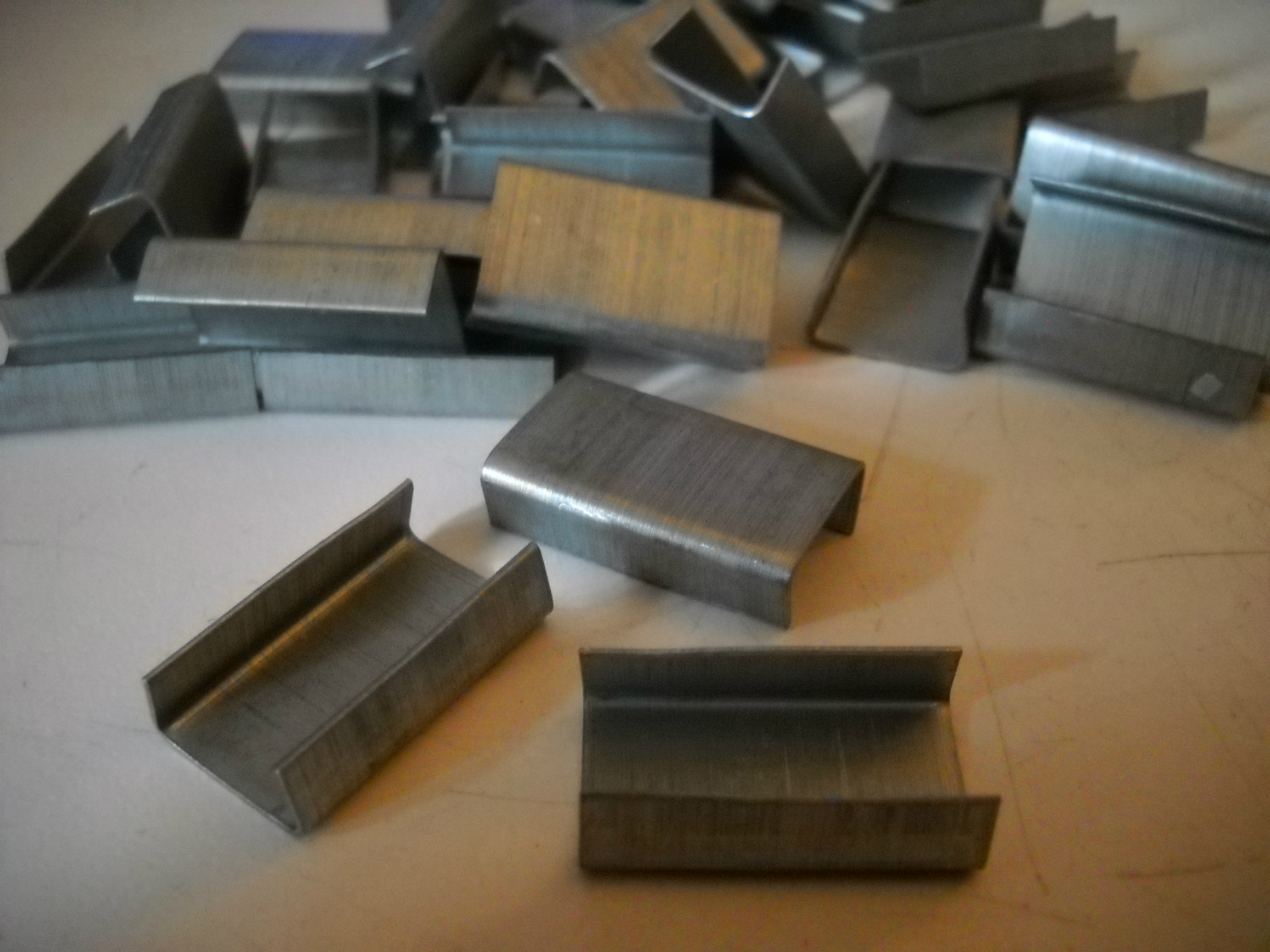 Box of 5,000 New Packaging Open Metal Steel Seals