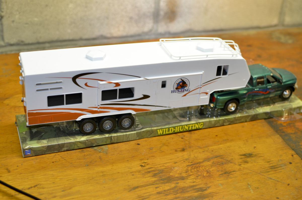 Trat Er Toy : Rv toy collectible dodge ram hemi truck th wheel