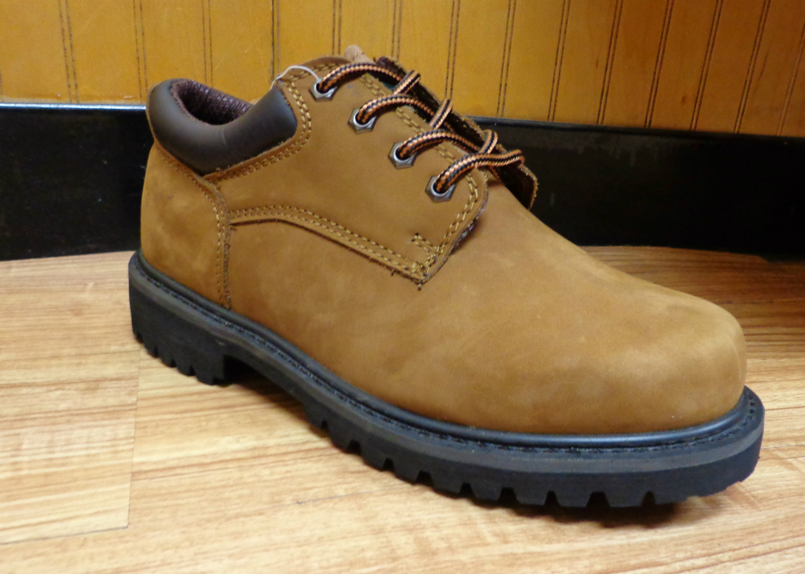 eurbak low cut work boots water resistant and insulated
