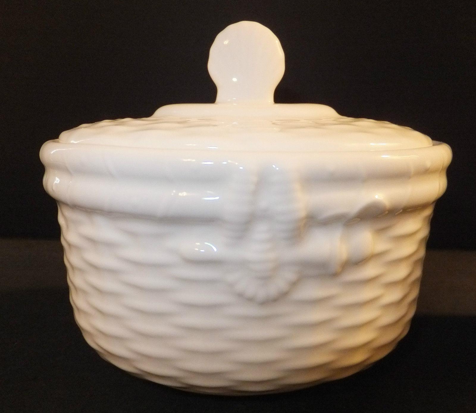 Wedgwood Dinnerware Nantucket Basket Covered Sugar Bowl